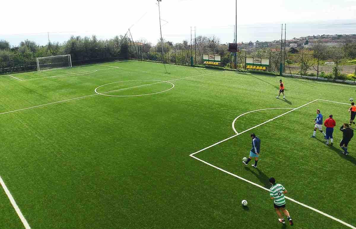 realizzazione campi da calcio in erba sintetica